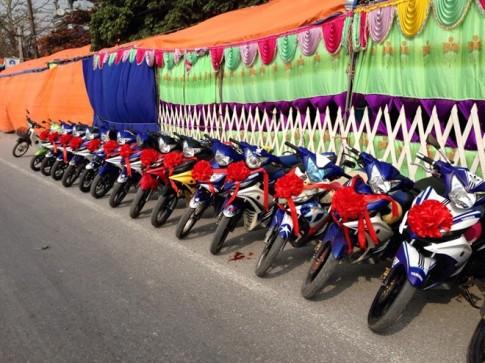 30 chiếc Yamaha Exciter đi rước dâu ở Hà Nam