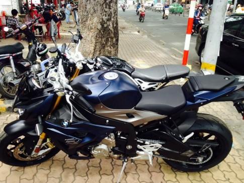 BMW S1000R đầu tiên về Việt Nam
