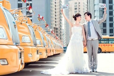 """Bộ ảnh cưới độc đáo tại bến xe buýt khiến cộng đồng mạng """"điên đảo"""""""