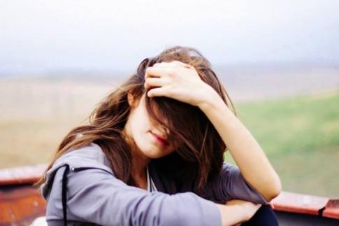 Càng cô đơn càng muốn khép mình, và càng khép mình lại càng thấy cô đơn...
