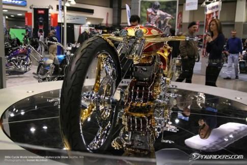 Chopper mạ vàng giá 500.000 USD