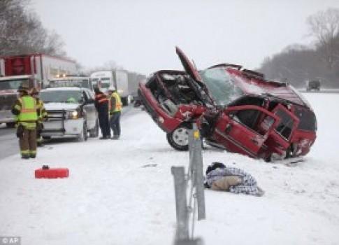 Chùm ảnh: Bão tuyết đe dọa 100 triệu người Mỹ