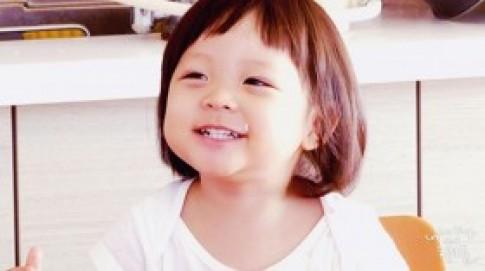 Cô bé 3 tuổi là nữ hoàng quảng cáo Kbiz