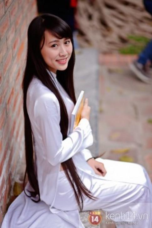 Cô nữ sinh sư phạm sở hữu mái tóc siêu dài