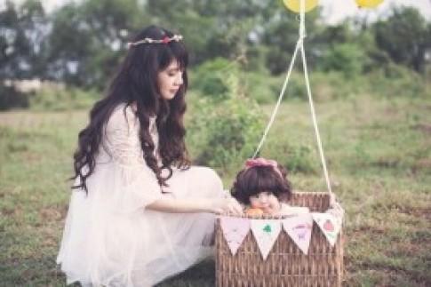 Con gái 1 tuổi của Lý Hải đẹp như thiên thần