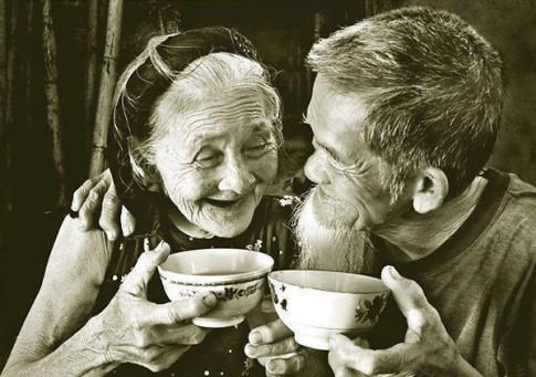 Cuộc sống vật chất đủ đầy, thì tình yêu có vị gì đây?