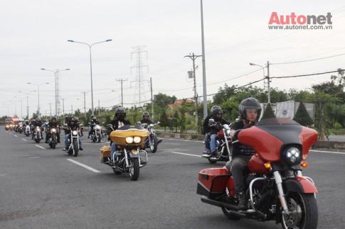 Đoàn môtô gần 60 chiếc Harley đi dã ngoại biển Cần Giờ