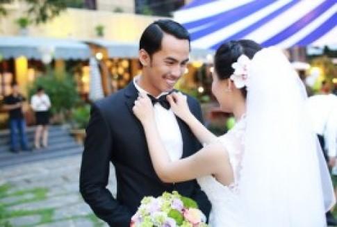 Duy Nhân cười rạng rỡ trong ngày cưới