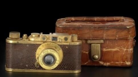 Hàng hiếm Leica 1932 Luxus II vàng bọc da không lập được kỷ lục đấu giá