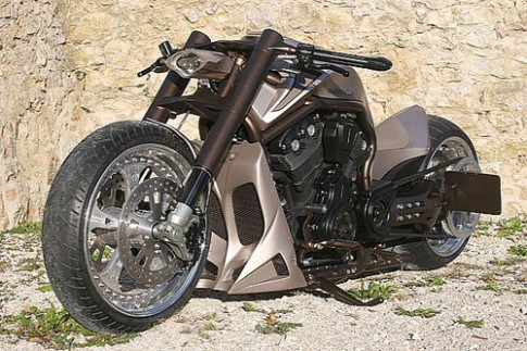 Harley Davidson V-Rod X - 'quái vật' lộ diện