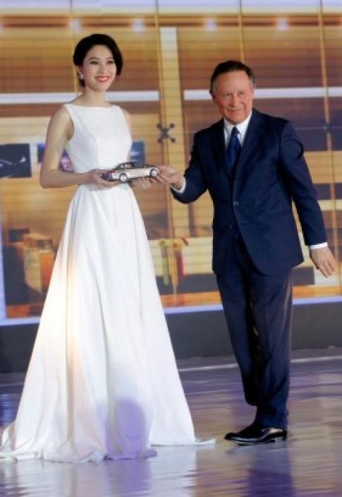 Hoa hậu Việt Nam 2012 làm đại sứ xe Peugeot