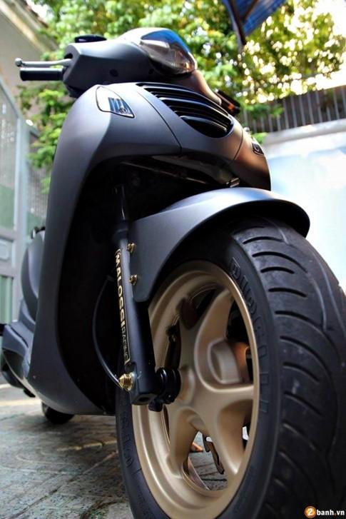 Honda PS đen nhám mạnh mẽ