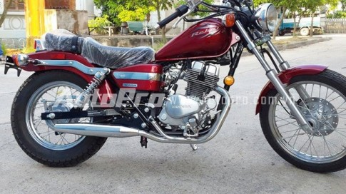 Honda Rebel 250 dep mat voi mau do Dunhill tai Viet Nam