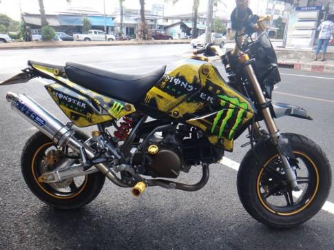 Kawasaki KSR phiên bản Monster
