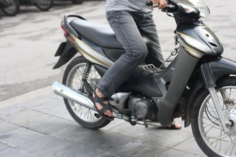 Khi thời tiết lạnh xe máy lại khó nổ, tại sao ?