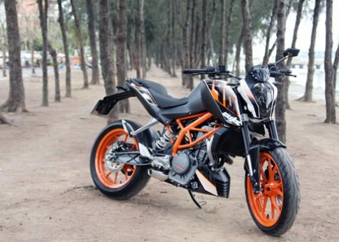 KTM Duke 390 dòng nakedbike cho đường phố Sài Gòn.