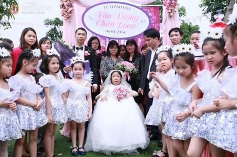 Lễ cưới cổ tích của cô gái suy thận và chàng trai kém 3 tuổi