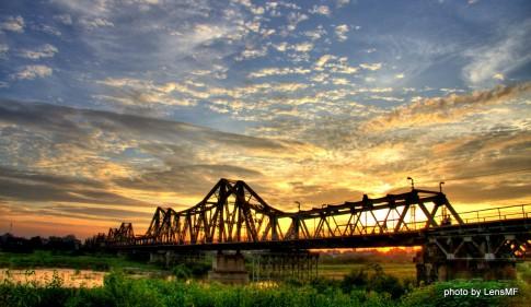 Long Biên - Cây cầu chuyên chở quá khứ