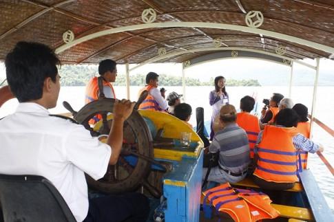 Mê hồn khi du ngoạn hồ Phú Ninh