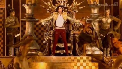 """Michael Jackson """"trở lại"""" biểu diễn trên """"Billboard Music Awards 2014"""""""