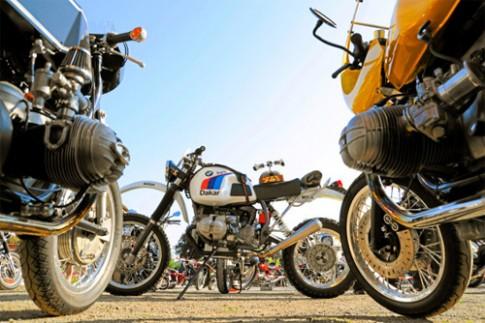 Ngắm nhìn môtô tụ hội khoe động cơ boxer