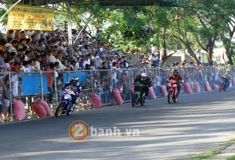 Nghẹt thở xem tranh chấp tại bảng 3 giải đua Trà Vinh