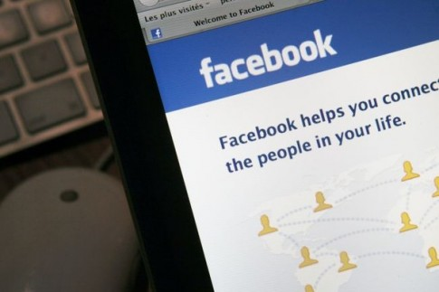 Người cô đơn thường chia sẻ nhiều hơn trên Facebook?