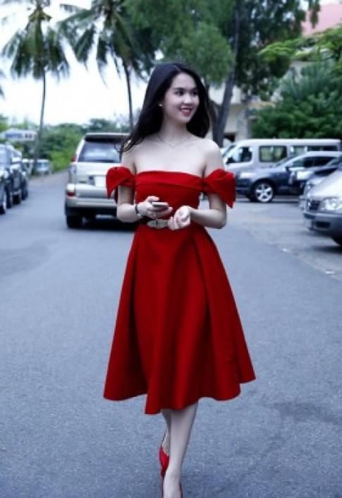 Người đẹp Việt gợi cảm hơn với áo trễ vai