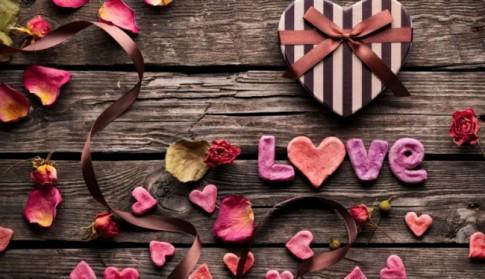 Người ta chỉ chấp nhận tình yêu mà người ta cho là xứng đáng...
