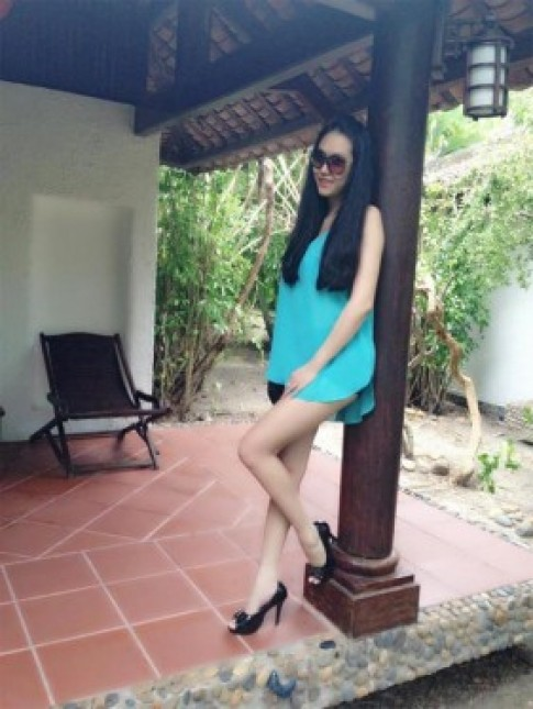 Phi Thanh Van khoe chan thon dai