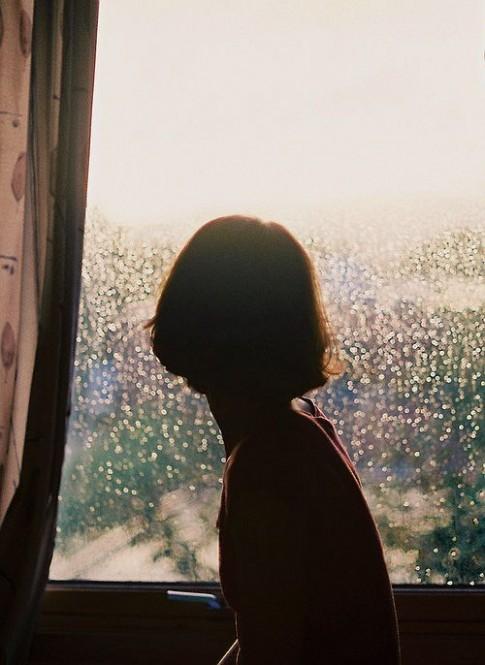 Quá lâu rồi em không khóc vì yêu ai...
