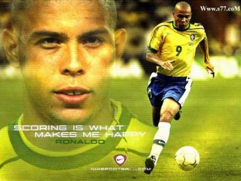 """Ronaldo """"béo"""" tiết lộ chấn động về chung kết World Cup năm 1998"""