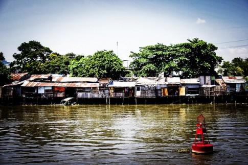 Sài Gòn và Những ô cửa màu xanh
