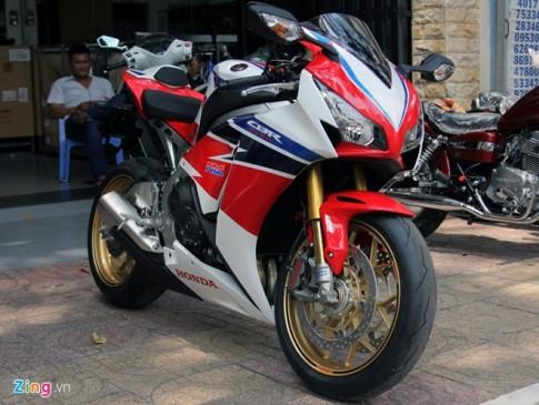 Superbike Honda CBR1000RR SP đầu tiên tại Việt Nam