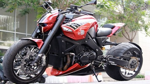 Suzuki B-King độ transformer