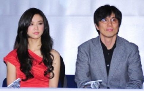Thang Duy tuyên bố kết hôn cùng đạo diễn 'Thu muộn'