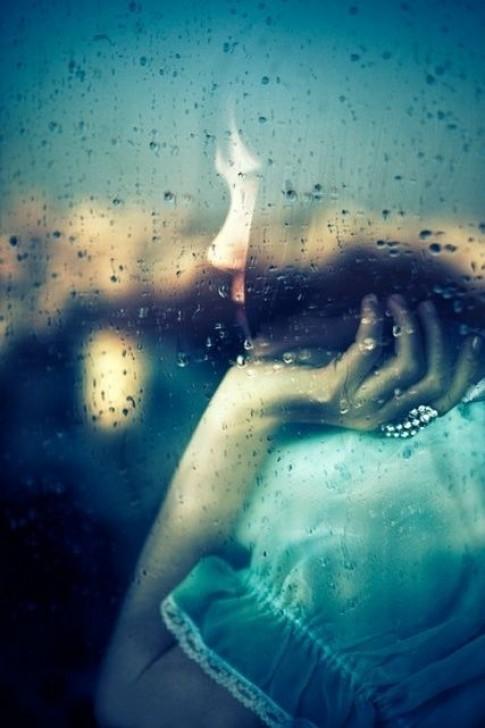 Thật ra em không muốn cô đơn đâu, chỉ là anh chưa xuất hiện mà thôi...