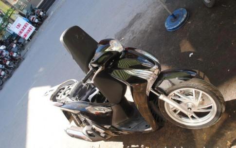 Thay dầu máy,dầu hộp số cho Honda Sh 2012