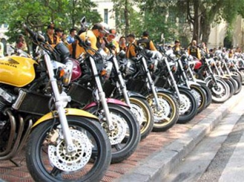 """Thị trường moto bắt đầu """"nở rộ"""" tại Việt Nam"""