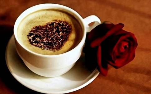 Tình yêu đầu tựa như tách cafe đen