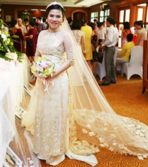 Top váy cưới đẹp nhất Vbiz năm 2013