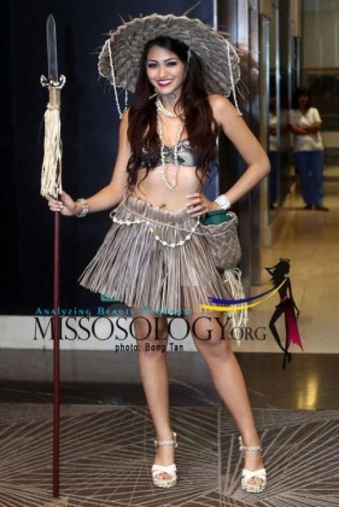 Tròn mắt xem trang phục dân tộc ở Miss Earth