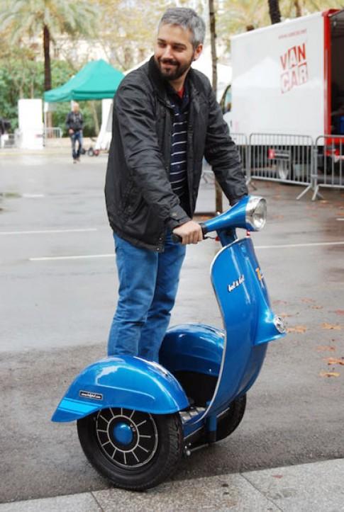 Vespa Segway - scooter điện phong cách Vespa