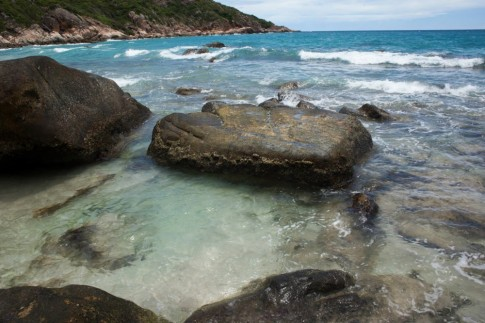 Vượt biển ra đảo Bình Ba khám phá vẻ hoang sơ tuyệt đẹp