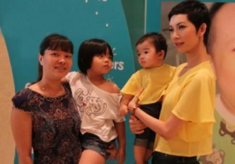 Xuân Lan, vợ chồng Lý Hải đưa con đi chơi 'Ngày Gia đình'