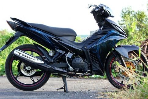 """Yamaha Exciter 2011 được """"trang trí"""" với tem 3D hình rồng"""