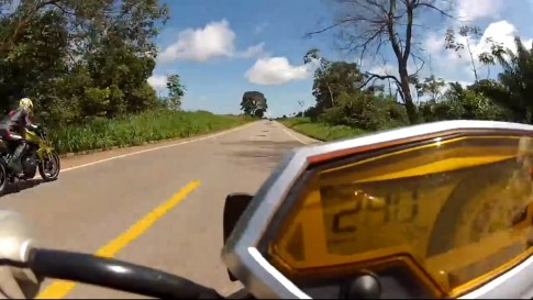 Z1000 chạy 253km/h vẫn đại bại trước CB1000R
