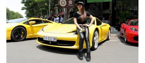 Bà chủ 8x Sài Gòn mở quán cà phê, chơi siêu xe Ferrari