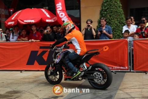 Biểu diễn Stunt tại Ngày hội siêu xe