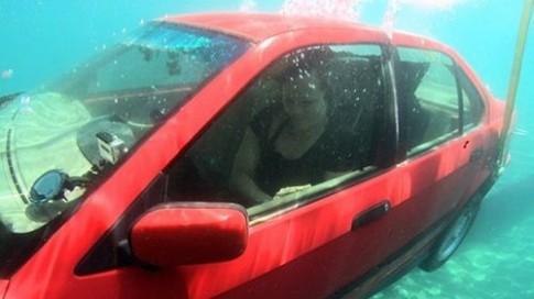 Cách xử lý tình huống khi xe ô tô bị chìm dưới nước